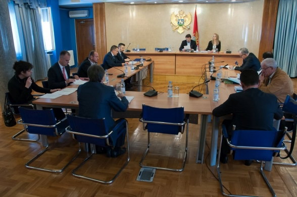 Committee on International Relations and Emigrants holds its 52nd meeting