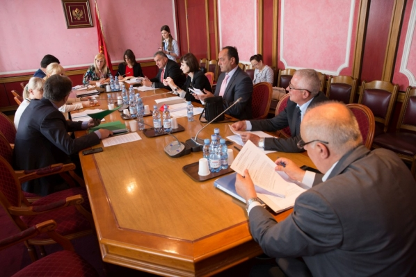 Continuation of the 123rd meeting of the Committee on Political System, Judiciary and Administration held