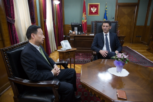 President of the Parliament receives Ambassador of the People's Republic of China