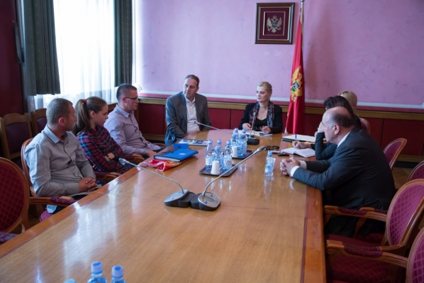 "Chairperson and members of the Committee on Education, Science, Culture and Sports meet with representatives of the Women's Football Club ""Breznica"""